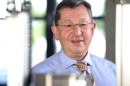 Systec-Geschäftsführer Tilmann Wolter ist stolz darauf, dass die Systec GmbH mit den einbaufertigen, leicht auswählbaren Positioniersystemen DriveSets einen Trend eingeleitet hat