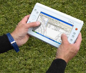 """Ein UMPC (Ultra Mobile PC) mit der Aufmaß-Anwendung -MWM-Libero und der """"Daumentastatur"""""""