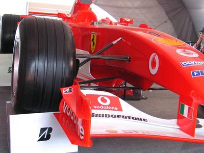 """OPTIMAL schaffte ebenso viele """"Weltmeisterschaften"""" wie der Formel-1-Rennfahrer Michael Schumacher. © aksel PIXELIO  http://www.pixelio.de"""