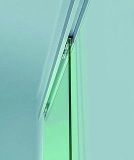 Das manuelle Schiebetürsystem Levolan SoftStop von GEZE: in das Laufrohr integrierter Glasklemmrollenwagen mit Einzugsdämpfung (SoftStop)