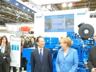 Chinas Ministerpräsident Wen Jiabao und Bundeskanzlerin Angela Merkel besuchten den Messestand der MWM GmbH auf der Hannover Messe.