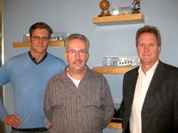Von links: Nick Wilson (Software-Projektmanager bei Ultra Litho), Mark O'Brien und Graeme Futter (Vertriebs- und Marketingmanager von Ultra Litho)