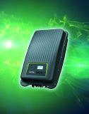 Der einphasige PIKO MP plus ist auch als Hybridwechselrichter einsetzbar
