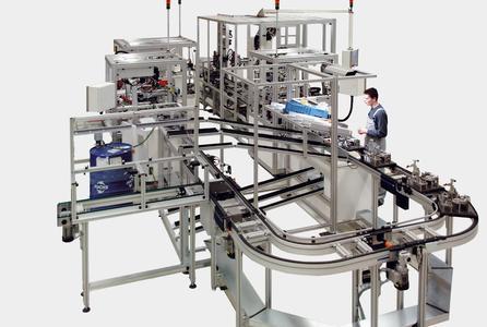 SIM Assembly Machines, Heiligenstadt, entwickelt ausschließlich kundenspezifische Montagesysteme. Die frühzeitige partnerschaftliche Zusammenarbeit mit dem Anwender ist Pflicht. Bild: SIM