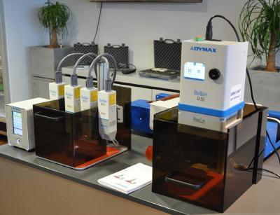 40 Jahre voller Innovationen – modernste Dymax Technologie bei der Dymax Europe GmbH.  Foto: Dymax