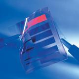 Folien zum Einkapseln flexibler OLEDs schützen vor Gasen und Dämpfen.