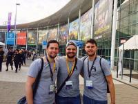 Teamfoto GamesCon 2018 - von links nach rechts: Julian Suttner, Niklas Hatje und Cedric Deege