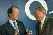 links: Jaime Smith Basterra CEO Telefónica O2 Germany GmbH & Co. OHG; rechts: Dr. Otmar Bernhard Bayerischer Staatsminister für Umwelt, Gesundheit und Verbraucherschutz
