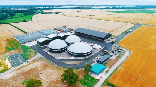 Biogas in der Landwirtschaft: Wie eine französische Bauernfamilie ihre Biomasse nun effizienter nutzt