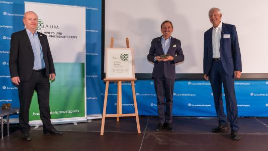 Alpensped-Geschäftsführer Christian Faggin erhält den B.A.U.M. Umwelt- und Nachhaltigkeitspreis 2020 / Bild/Copyright: © Frank Erpinar