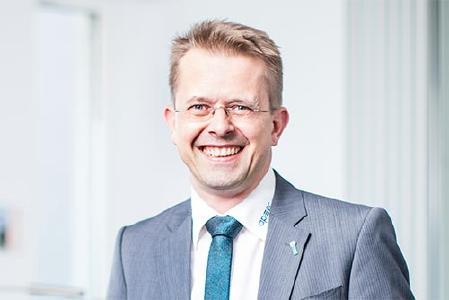 """""""Viele kleine und mittlere Unternehmen sehen ihre Wettbewerbsfähigkeit und Innovationskraft bedroht. Die Politik muss den Mittelstand mehr unterstützen."""" (Volker Röthel, Geschäftsführer der Applied Security GmbH)"""