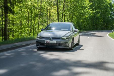 Für den neuen VW Golf 8 sind bereits die KW Gewindefahrwerke Variante 1, Variante 2 und Variante 3 erschienen.