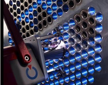 Orbital-Schweißkopf Typ TS für eine Rohr-/Rohrbodenanwendung / Zum Einsatz kommt das WIG-Verfahren mit Verwendung von Kaltdraht (Foto : Polysoude)