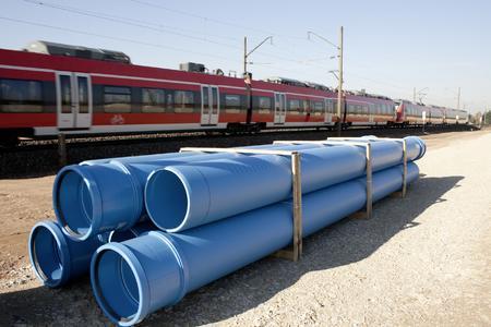 Mit dem Hochlast Sickerleitungssystem RAUDRIL Rail PP bietet REHAU ein Komplettsystem für die Tiefenentwässerung im Bahnbau, Foto: REHAU
