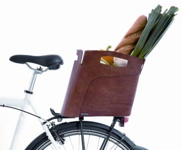 bootbag Leder auf Fahrrad