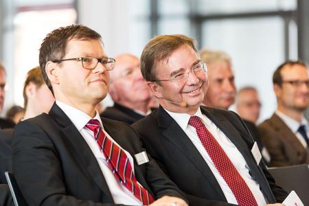 Rolf Sahre (MACH) und Dr. Wilfried Bernhardt (NEGZ)