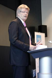 """Friedhelm Loh, Inhaber und Vorstandsvorsitzender der Friedhelm Loh Group: """"Es gibt keinen besseren Zeitpunkt für das Thema Wertanalyse. Gerade in wirtschaftlichen Umbrüchen ist es wichtig, das Thema in den Fokus zu stellen"""