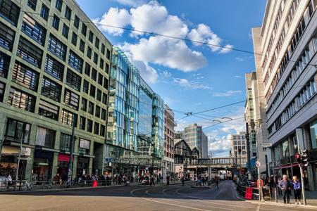 WBS Training AG eröffnet am 15. Oktober 2015 den neuen Standort in der Berliner Friedrichstraße 152. Damit ist der Weiterbildungsspezialist an 160 Standorten in ganz Deutschland präsent – in Berlin mit sieben Standorten und der Zentrale