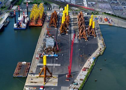 Der Offshore-Terminal der BLG in Bremerhaven