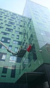 Façade Cleaning with hyCLEANER® red EVO I