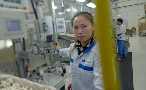 Production of electrical throttle valves at the Pierburg plant in Kunshan/China