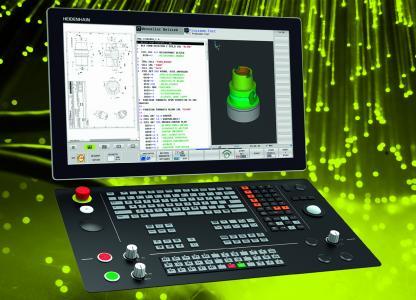 """Prozesse und Aufträge immer im Blick: Dank ihres geteilten Bildschirms bietet die neue TNC 640 mit 24"""" Widescreen und Extended Workspace Compact parallel zwei Arbeitsbereiche für den Steuerungsbildschirm und die Anzeige weiterer Applikationen"""