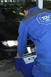 TÜV SÜD: Bei den Lichttestwochen kostenlos Lampen checken lassen