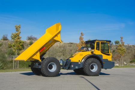 Bergmann 3012DSK mit geringer Ladehöhe, Schnellwechselsystem und drehbarem Fahrerstand für maximale Übersicht im Arbeits- und Rangierbereich.