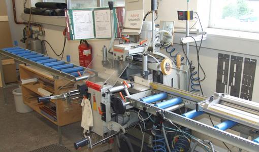 Mehrachsige Stabbearbeitungszentren können gleich mehrere Kleinmaschinen wie z.B. die Kopierfräse ersetzen