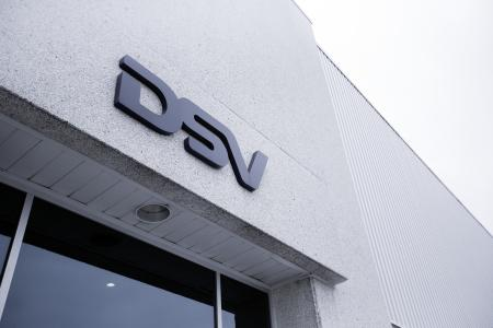 With the rising demand of consumers shopping online, DSV, a global 3PL transport and logistics company, needed to increase their capacities to deal with the growing number of e-commerce customers.