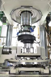 Ultramodern equipment: ContiTech has at its disposal the world´s only certified test lab for rail vehicle air spring systems and hence, sets new standards in safety and quality, Photo: ContiTech