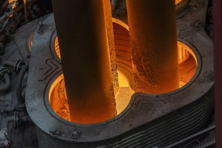Neuer Pfannenofen im Duisburger Stahlwerk: 80 Millionen-Investition in Qualität und Technologie