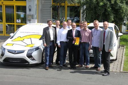 Übergabe der Opel Amperas an zwei Partner bei Wagner & Co in Cölbe