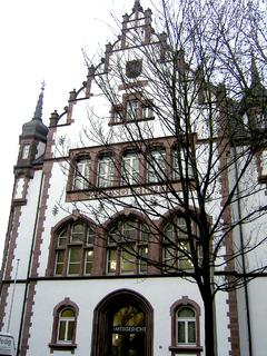 Außenansicht des sanierten Gerichtsge-bäudes in Duisburg. Foto: MC-Bauchemie Müller GmbH & Co. KG