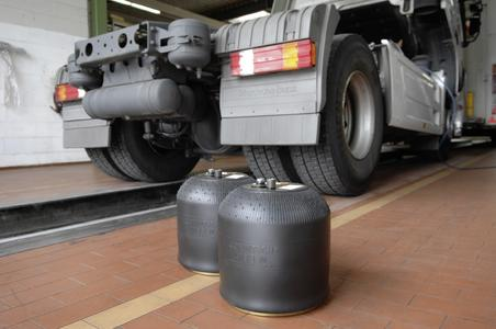 Also available to the aftermarket since 2011: The air suspension system from ContiTech for the Actros cuts maintenance costs and saves weight