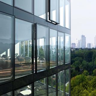 geb ude werden zu smart buildings mit systeml sungen aus. Black Bedroom Furniture Sets. Home Design Ideas