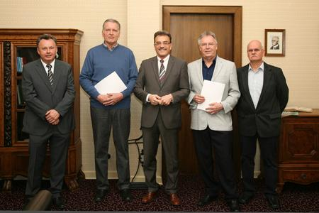 Dr. Staub, Hans-Willi Baumgart, Landrat Diehl, Harald Schwindt, Hanns-Karl Gaul (Copyright Schneider-Kreuznach).