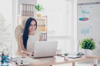 ACREDIA bietet ihren Kunden die Möglichkeit, wichtige Funktionen rund um das Thema Kreditversicherung, wie z. B. Kreditprüfungsanträge, Salden- und Umsatzmeldungen oder Schadensmeldungen, bequem online abzuwickeln. Fotorechte: © Shutterstock.