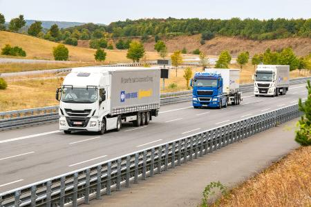 Knorr-Bremse und Continental verfolgen gemeinsam den Entwicklungsweg hin zu hochautomatisiert fahrenden Nutzfahrzeugen. Im Fokus der Partnerschaft steht zunächst das automatisierte Kolonnenfahren (Platooning),  © Knorr-Bremse/Continental