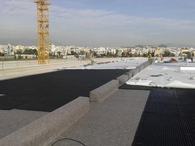The heavy-duty Protectodrain PD 250 provides excellent protection for the roof membrane and is followed by the stable Filter Sheet TG / Source: H. Pangalou and Associates Landscape Architects