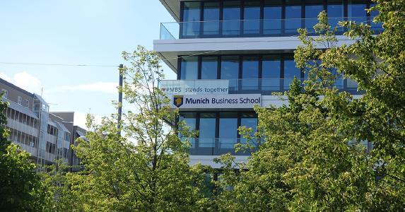 Der Campus der Munich Business School im Münchener Westen.