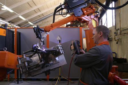 Automatisierte WIG-Prozesse mit Kaltdrahtzufuhr schweißen alle Rahmenbauteile des Erfolgsmodells RC8 von KTM zu einer technisch und optisch wirkungsvollen Einheit