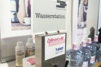 Steter Fluss: Als Wasserpartner des Hamburg Coffee Festivals sorgte BWT water+more mit seiner Filling-Station dafür, dass auch die Aussteller das perfekte Kaffeewasser für die Kaffeezubereitung an ihren eigenen Ständen zur Verfügung gestellt bekamen.  //  Foto: Sinan Muslu