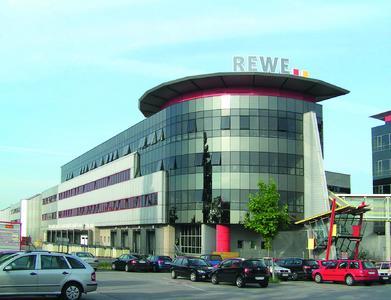 REWE Geschäftssitz in Inzersdorf bei Wien, Österreich