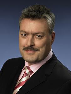 Dr. Michael Mertin