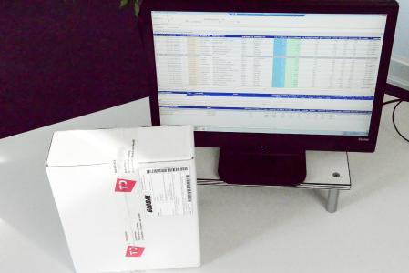 Mit dem Mess-/ Wiege-Leitstand können Daten nach der Vermessung und Verwiegung von Packstücken automatisch in Komalog Windows verarbeitet werden. (Foto: TRANSDATA)