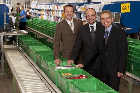 Richard Sauseng (Projektleiter, Salomon Automation GmbH),Stefan Gächter (Bereichsleiter Logistik, Valora AG), Wigand Fox (Projektleiter, Valora AG) von links nach rechts(Salomon Automation GmbH)