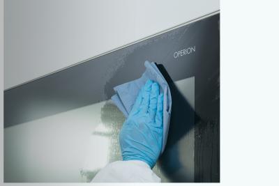 OPERION Wandmonitor  Hygienisches Design  Medizinisches Display und All-in-One-PC