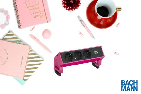 bachmann-desk-2-3x-steckdose-902-749-erikaviolett-steckdosenleiste-pink.jpg
