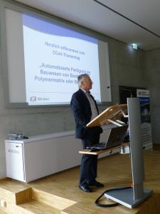 """Professor Ralf Cuntze, der sich im CCeV seit Jahren für das Thema """"Faserverbund im Bauwesen"""" stark macht, begrüsste die Teilnehmer des Thementages von CC Bau"""